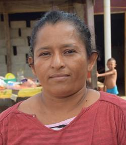 7 Ana Mora