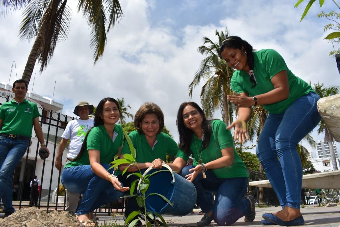 Siembra, reciclaje y manejo de residuos hacen parte de la campaña 'Sembrando Conciencia Ambiental