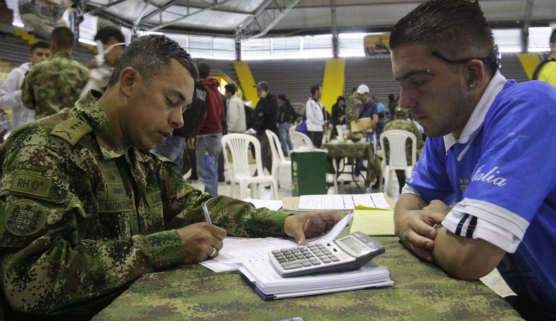 Nueva amnistía para definir situación militar en Colombia